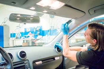Montering av DAB-adapter i bil - Elkjøp