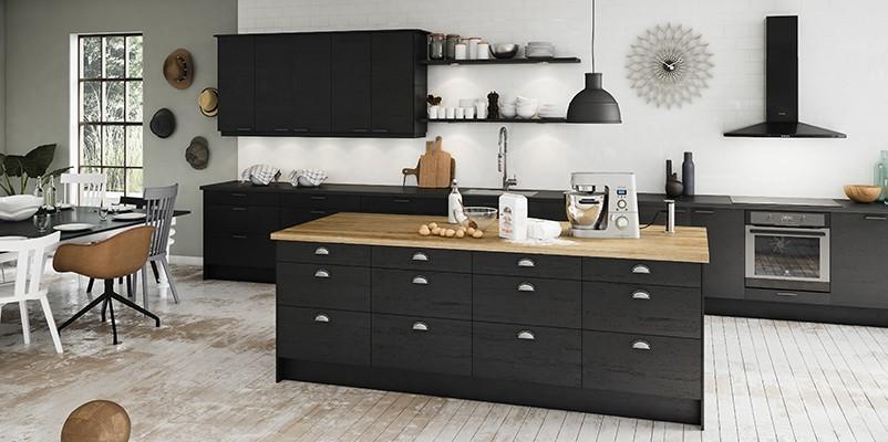 Epoq Edge on tyylipuhdas, musta keittiömalli
