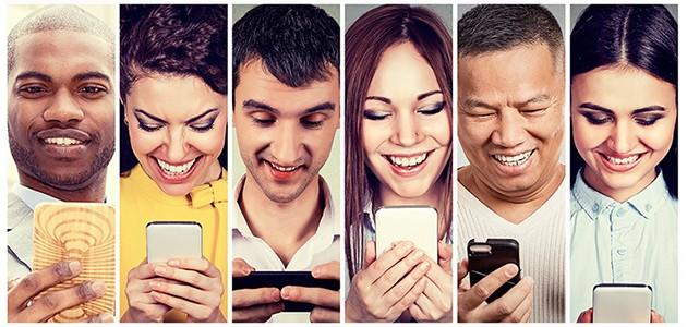 Bilder av folk med mobiler