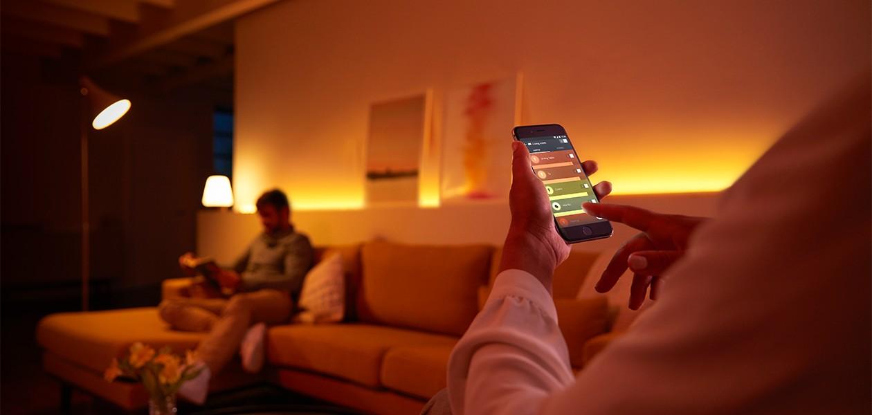 Opplev og kontroller millioner av farger fra din smartttelefon