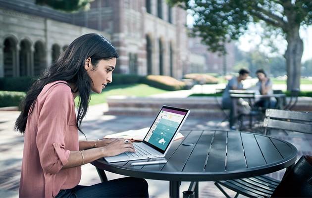 Med Surface Book kan du logge inn med ansiktsgjenkjenning