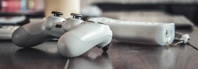 Spillkonsoll og tilbehør