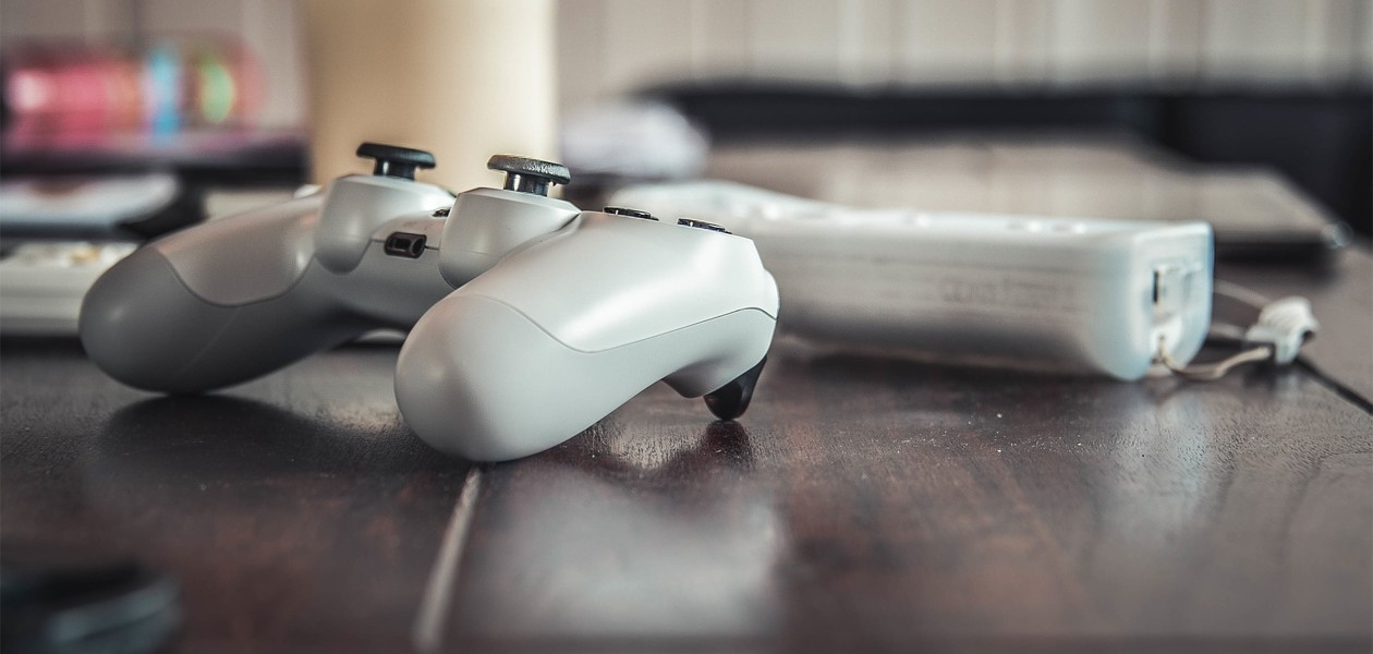 Spelkonsol och tillbehör