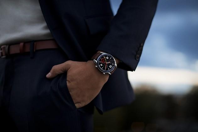 Man med Huawei Watch GT på handleden