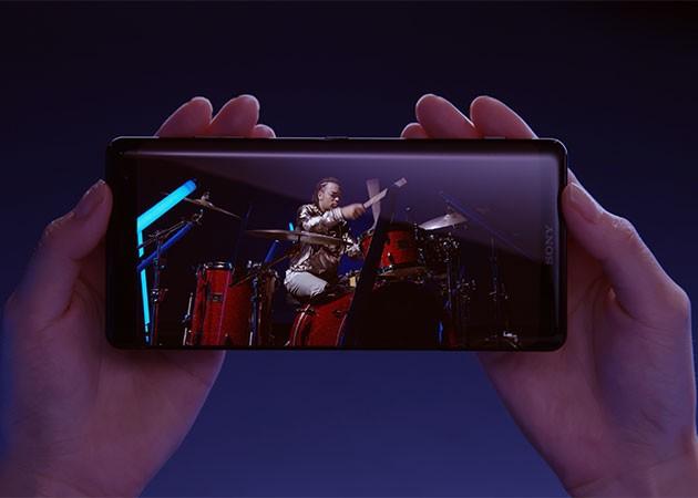 Billede af den enestående skærmkvalitet, som Sony Xperia XZ3 giver